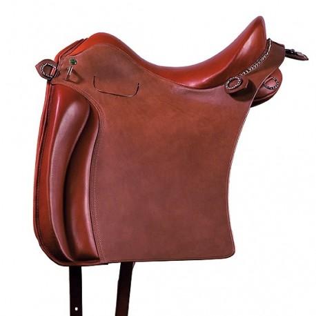Marjoman, portugalské sedlo, sedlo, detailne prepracované sedlo, detailne prepracované portugalské sedlo, elegantné sedlo, elegantné portugalské sedlo, sedlo pre PRE, sedlo pre andalúzske kone, sedlo pre barokové kone, sedlo pre frízske kone