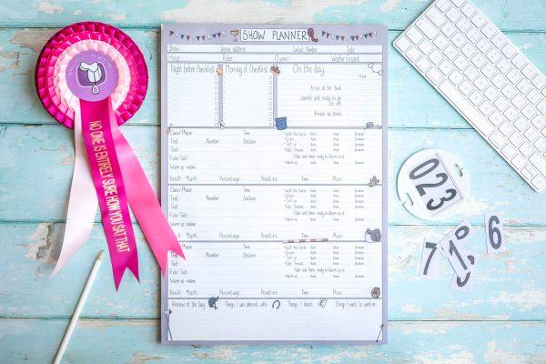 kolekcia plánovač na súťaže, plánovač, rozvrh, to do list, zoznam na balenie, kôň, kone, drezúra, western, parkúr, cross country