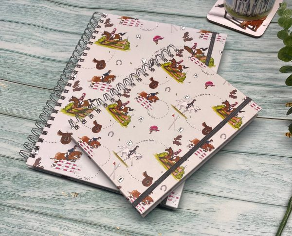 zápisník, zápisník, zápisník so vzorom koňa, zápisník so vzorom koní, zápisník s motívom koňa, zápisník s motívom koní, zápisník s ilustárciou koňa, zápisník s ilustráciou koní, zápisník so vzorom EVENTING, zápisník s motívom EVENTING, zápisník s súťažným motívom, zápisník so súťažným vzorom, emily cole